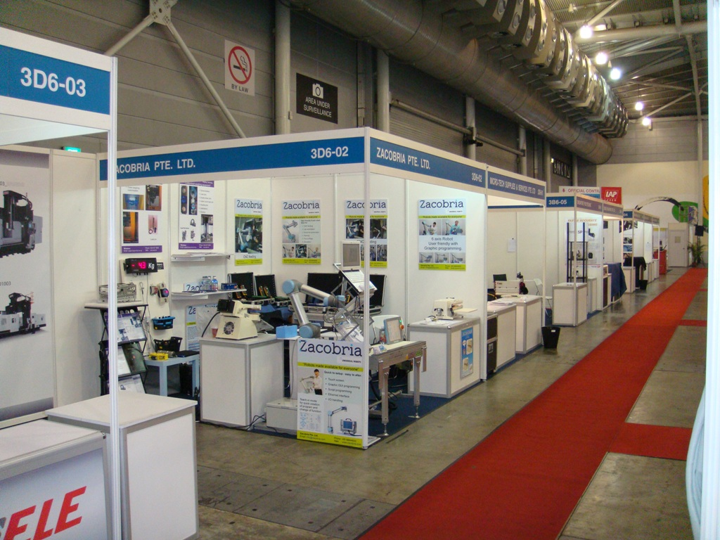 Zacobria and Universal robots at MTA at Singapore EXPO 2011
