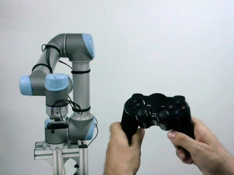 universal-robots-zacobria-game-joystick-controller-video